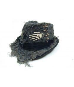 Hat med skelethænder