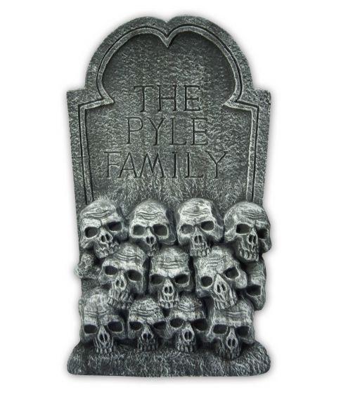 Gravsten med kranier
