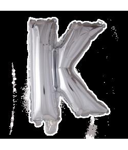 Sølv folie ballon med bogstavet K.