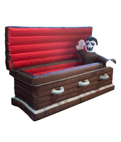 Oppustelig kiste med vampyr.