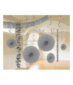 Sølv dekorations sæt bestående af 18 dele til ophæng.