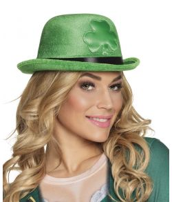 Flot grøn bowlerhat med trekløver til Sankt Patricksdag.