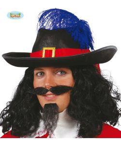 Musketer hat med rødt bånd og blå fjer.