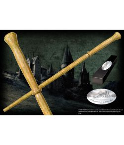 Lucius Malfoys tryllestav i æske med navneskilt. Character Wand.