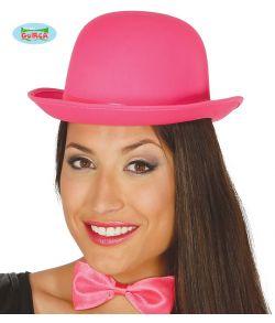 Pink bowlerhat med satin bånd.