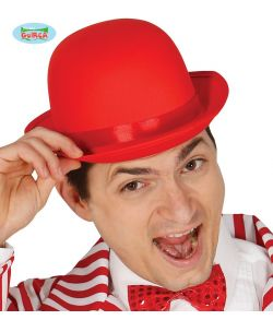 Rød bowlerhat med satin bånd.