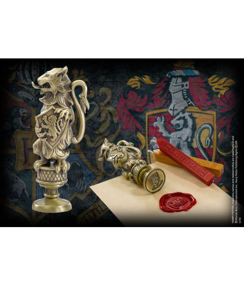 Gryffindor vokssegl i metal med voks fra The Noble Collection.