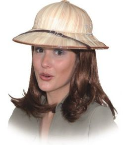 Tropehjelm lavet med strå til kostume.