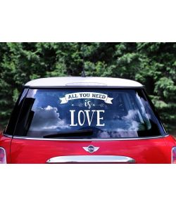 Flot 'All you need is love' car sticker i hvid