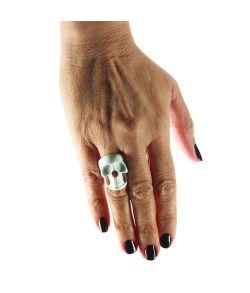 Hvid fingerring med kranie