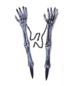 uhyggelige skeletarme med kæder til halloween festen