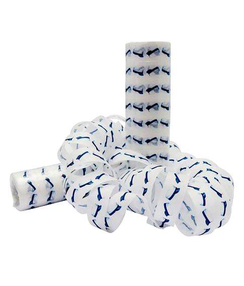 Hvide serpentiner med blå studenterhuer