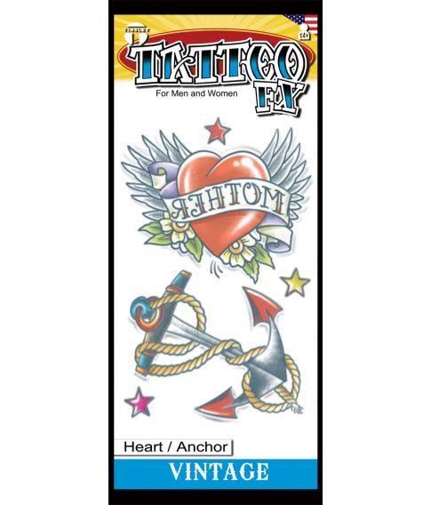 Flot kunstig tatovering med hjerte og anker.